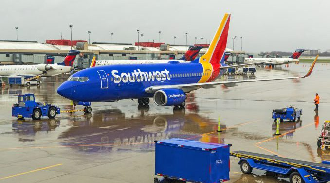 Southwest, 2 adet 737NG uçağını yere indirdi